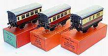 Hornby O-gauge Set of three No. 51 Coaches