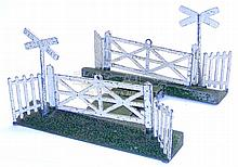 Bonnie Toys/Strong O-gauge Level Crossing
