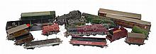 Assortment of Hornby Dublo 3-rail items