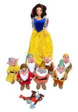 Snow White and the Seven Dwarfs Set of plastic Dolls