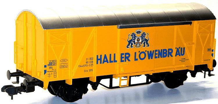 Marklin 1-gauge 5863 4-wheel Van 'Haller Löwenbräu'.