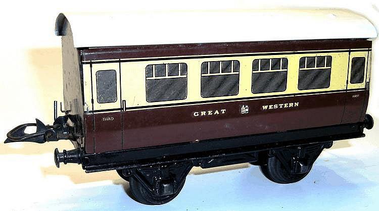 Hornby O-gauge No. 1 Passenger Coach
