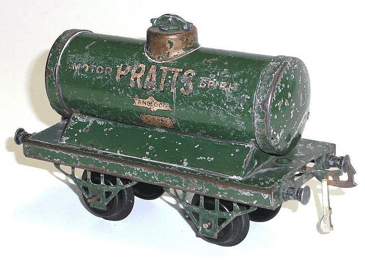 Hornby O-gauge Petrol Tank Wagon 'Pratts'