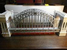 MTH Heal Gate Bridge