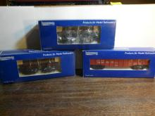 3 Industrial Model Train Cars 8002,8001,5002