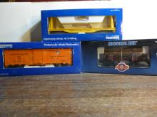 3 Industrial Model Train Cars 7501,2002,4004