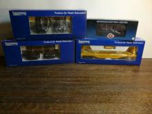 4 Industrial Model Train Cars 8002,8001,6102,7501