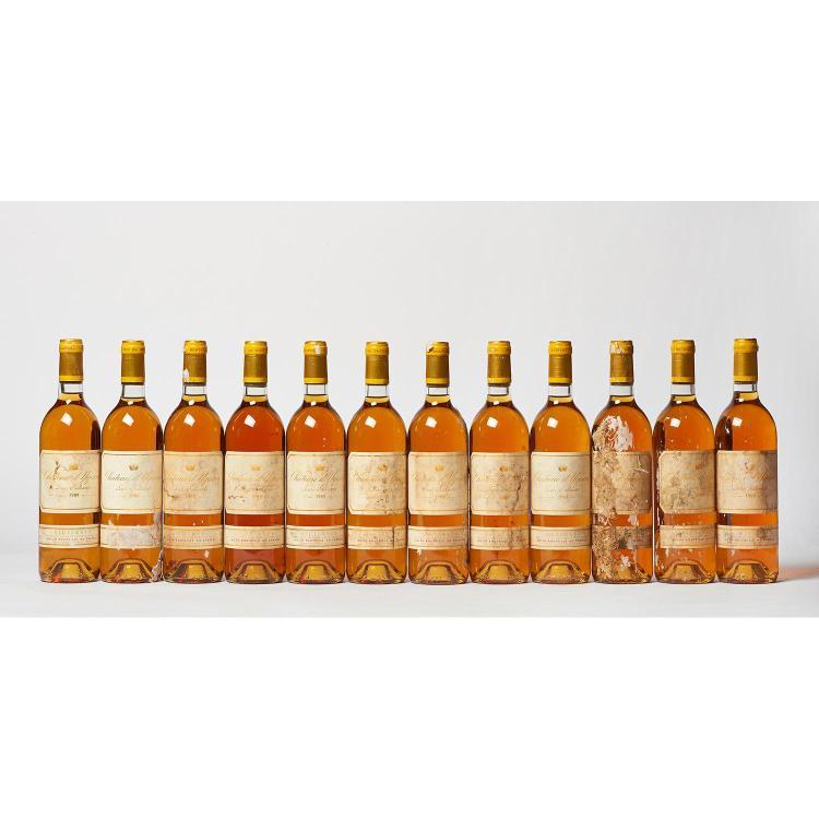 12 bouteilles Château D'YQUEM, 1° cru supérieur Sauternes 1989 CB, ET