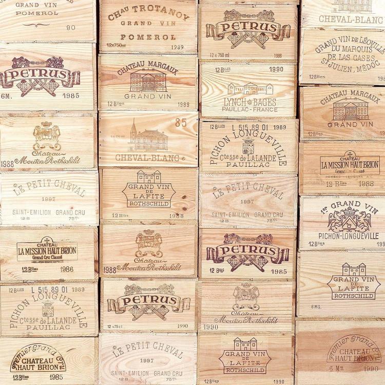 12 bouteilles Château D'YQUEM, 1° cru supérieur Sauternes 1990 CB, ET
