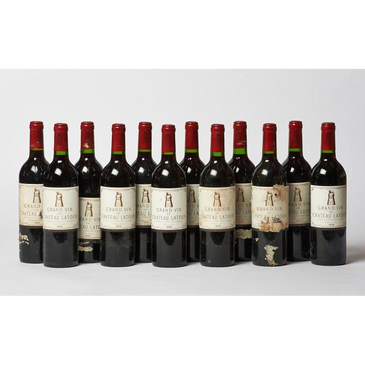12 bouteilles Château LATOUR, 1° cru Pauillac 1976 CB, 1 ELA