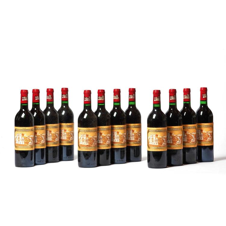 12 bouteilles Château DUCRU-BEAUCAILLOU, 2° cru Saint-Julien 1982 CB, 1 ELS