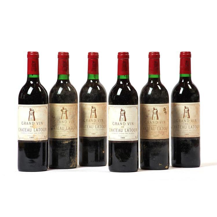 6 bouteilles Château LATOUR, 1° cru Pauillac 1982 ES, CB de 12 bouteilles