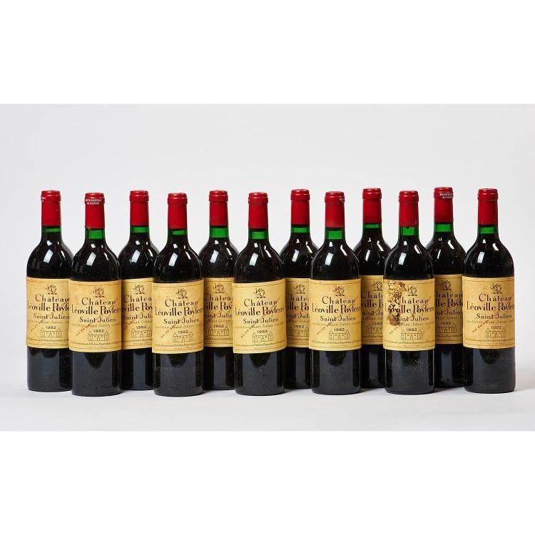 12 bouteilles Château LEOVILLE-POYFERRE, 2° cru Saint-Julien 1982 CB, 1 ET, quelques étiquettes décollées 1 680