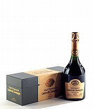 """Ensemble de 4 bouteilles 1 bouteille CHAMPAGNE """"Comtes de Champagne"""", Taittinger 1995 (rosé, coffrets) 1 bouteille CHAMPAGNE Moët & ..."""