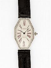 LACLOCHE POUR TIFFANY & CO ART DECO Montre bracelet de dame avec boîtier octogonal en or gris et or jaune. Cadran argenté avec index...