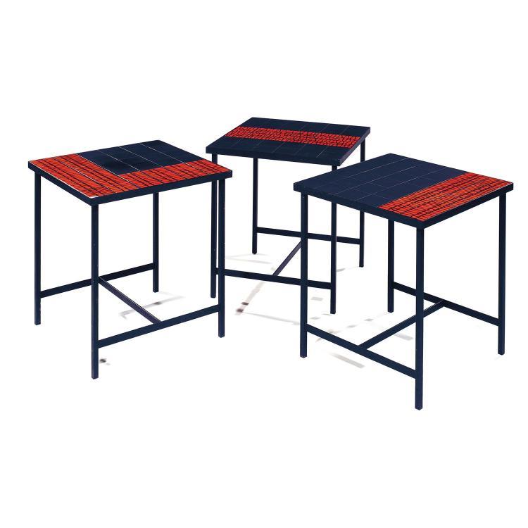 roger capron 1922 2006 suite de trois tables carr es. Black Bedroom Furniture Sets. Home Design Ideas