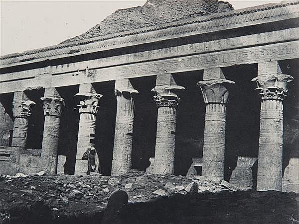 Maxime Du Camp (1822-1894) Nubie, grand temple d'Isis à Philae, galerie orientale, vers 1850-1851 Épreuve salée, négatif papier, mon...