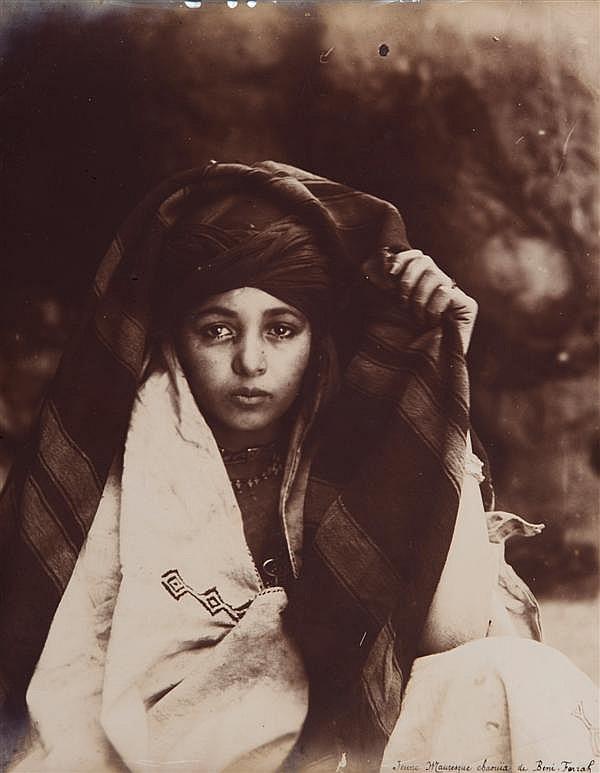 Auteur non identifié Algérie, vers 1890-1900 Ensemble de 9 épreuves argentiques, légendées à l'encre noire sur l'épreuve 29 x 23 cm