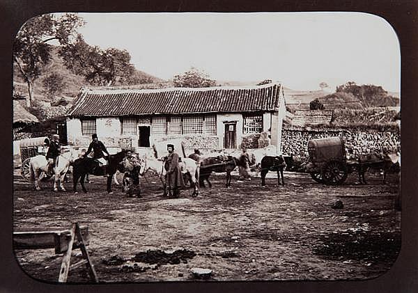 William Saunders (1832-1892) Mongolie, vers 1860-1870 Épreuve albuminée, négatif verre, annotée « Mongolie » à la mine de plomb, au ...