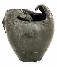 Duilio Cambellotti (1876-1960) A green patina bronze vase shaping a horse facing a crow, circa 1903-1906. height. 5 1/2 IN. - DIAM. 5 1