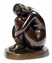 David MESLY (1918-2004) Femme repliée contre ses genoux Épreuve en bronze à patine brune Cachet du fondeur