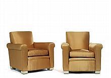 Jean-Charles MOREUX (1889-1956) Paire de fauteuils clubs, courts pieds cubiques en bois laqué blanc, profonde assise, dossier plat i...