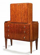 LOUIS SOGNOT (1892-1969) A rosewood veneer writing cabinet with a leather desk blotter inside. Haut. 125?cm - Larg. 88?cm - Prof. 40?cm