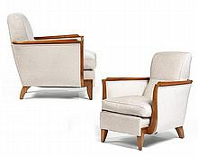 René PROU (1889-1947) A pair of spectacular cherry wood armchairs, reupholstered with silk weaving, circa 1935. Height. 33 1/8 in. - Wi