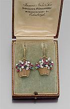 Années 1890-1900 Originale paire de pendants d'oreilles