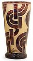 LE VERRE FRANÇAIS - CHARDER Grand vase cornet, circa 1928-1930, en verre multicouche brun façon écaille de tortue, enrichi de poudre...