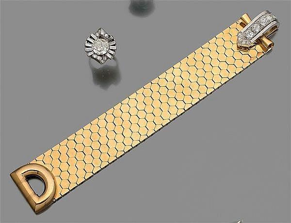 annees 1935 bracelet nid d 39 abeille maillons souples en. Black Bedroom Furniture Sets. Home Design Ideas
