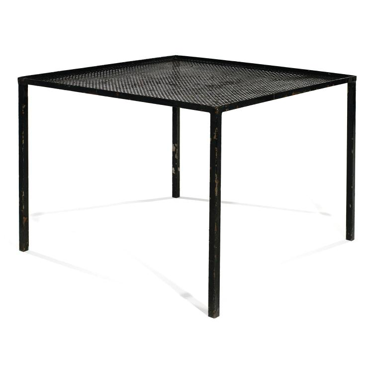 Mathieu mat got attribu table basse carr e pi tement q - Table a manger noir laque ...