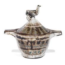 JEAN DERVAL (1925-2010)Pot couvert tronconique en terre chamottée, prise supérieure formée d'un oiseau en relief, décor émaillé de m...