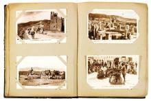 ALBUM DE 175 CARTES POSTALES VERS 1920 comprenant des vues animées de la Turquie, du Maroc, de l'Égypte, de l'Espagne, de la Syrie, ...