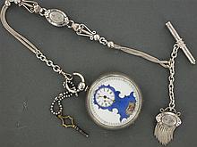 ANONYME VERS 1800 Montre de poche en argent. Cadran émail blanc et bleu avec trotteuse centrale, les heures et les minutes décentrée...