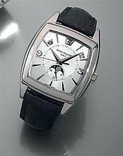 PATEK PHILIPPE CALENDRIER ANNUEL GONDOLO. REF. 5135G VENDUE LE 1er JUILLET 2010 Montre bracelet avec boîtier tonneau en or gris, qua...