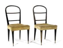ART DECO - Élégante paire de chaises en bois noirci