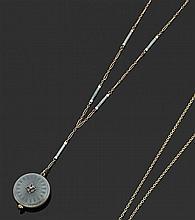 ANONYME VERS 1900 Montre pendentif avec boîtier rond en or jaune (14K) et émail