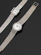 PHILIP WATCH CHAUX DE FONDS Montre bracelet de dame en or gris avec boîtier rond et lunette sertie de diamants. Cadran argenté avec ...
