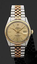 ROLEX DATEJUST. Réf. 16013, VERS 1978 Montre bracelet en or jaune et acier. Cadran doré avec index bâtons appliqués, seconde central...