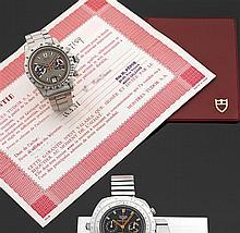 TUDOR MONTE CARLO. Réf. 7159/0 MILIEU DES ANNéES 70. ACHAT DU 13 MARS 1981 Montre bracelet en acier avec chronographe. Cadran bicolo...