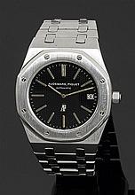 AUDEMARS PIGUET ROYAL OAK JUMBO. Réf. 5402 ST. SÉRIE A, PRODUITE VERS 1972-74 Montre bracelet en acier avec boîtier tonneau et lunet...
