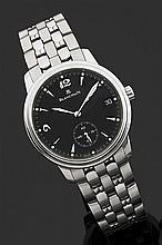 BLANCPAIN VERS 2000 Montre bracelet en acier avec boîtier rond et lunette godronnée. Cadran noir avec index flèche appliqués, points...