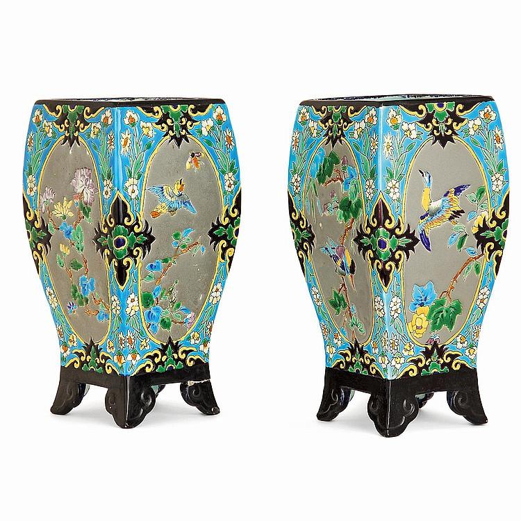 VIELLARD BORDEAUX A pair of earthenware vases