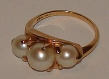 14 K & Pearl Ladies Ring -Estate -2.5 dwt - Size