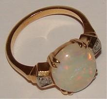 14 K Opal & Diamond Ring - Size 5 1/4 - 3.6 g tw