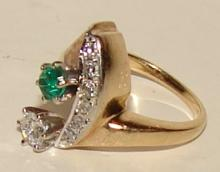 Ladies Diamond ring with Emerald