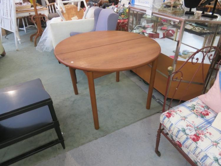 lot 105 round vintage danish modern style dining table