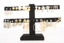 Group Lot 17 Vintage Earrings Jewelry