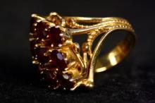 14 KT. Gold Nine Garnett Stone Cocktail Ring